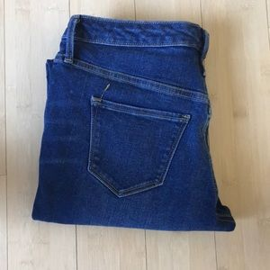 Medium Wash Size 4 Mid Rise Skinny Jeans